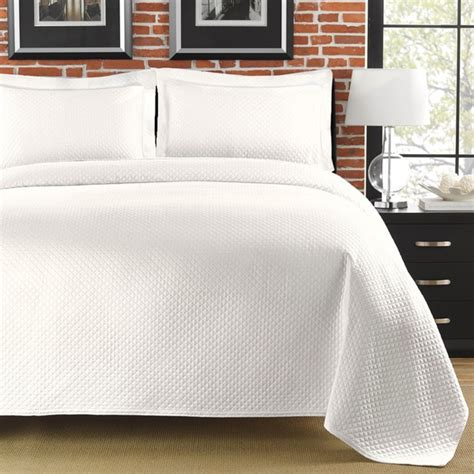 queen bed coverlet diamante matelasse white full queen size coverlet free