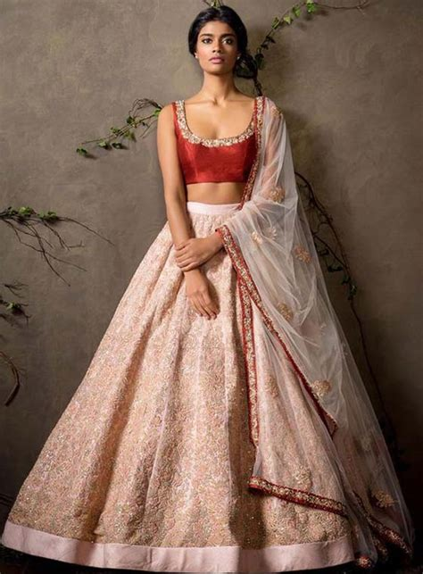 bridal lehenga draping 10 different easiest dupatta draping styles for lehengas
