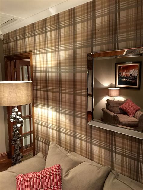 mulberry bedroom ideas mulberry tartan wallpaper inrichting pinterest