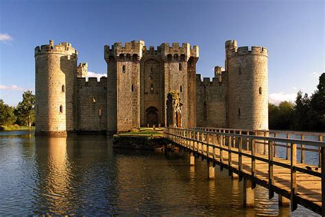 most beautiful english castles 10 of the most beautiful castles in the world 10awesome com