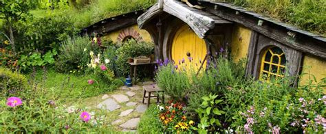 Home Decorating Ideas Kitchen by Living In A Real Life Hobbit House The Chromologist