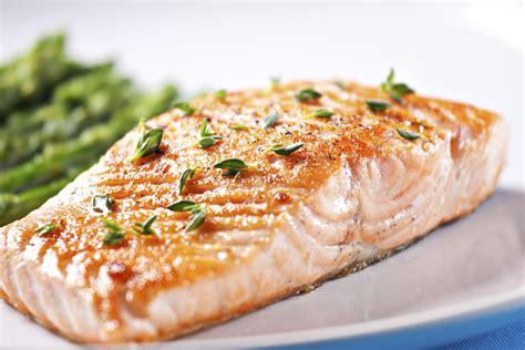 salmon food orzo salad with pan seared salmon