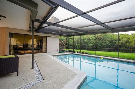45 Screened In and Covered Pool Design Ideas