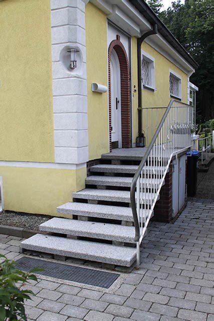 hauseingang treppe