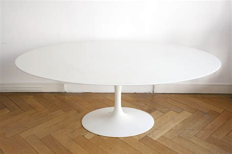 table ovale tulipe eero saarinen oval table images id f 385383 as well 1607402 furthermore large antique brass