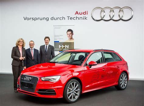Audi Zentrum Heilbronn by Audi Neckarsulm Spendet Audi A3 E Tron An Hochschule