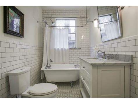 Second Bathtubs by Gorgeous Georgian In Winnetka Heights Will Make You Swoon