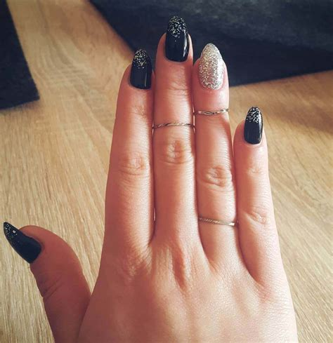 imagenes de uñas pintadas postizas 80 dise 209 os de u 209 as plateadas u 209 as decoradas nail art