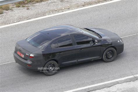 new renault megane sedan spyshots renault megane sedan autoevolution