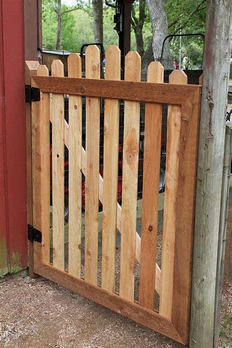 Backyard Gate Ideas Best 25 Garden Gates Ideas On Garden Gate Yard Gates And Gates