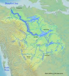steamboats of the mackenzie river