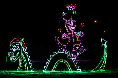 wayne county festival of lights 2017 wayne county lightfest open through end of year 171 cbs detroit