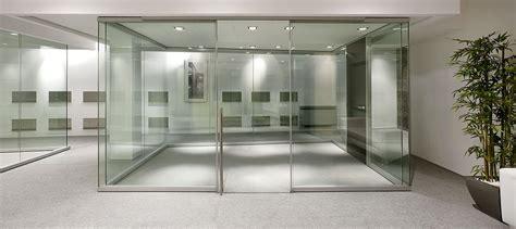 pareti in vetro per uffici pareti divisorie in vetro l eleganza per i tuoi uffici