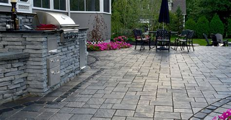 Unilock Pavers Dealer 4 Concrete Blocks For Vertical Elements In Modern Toronto
