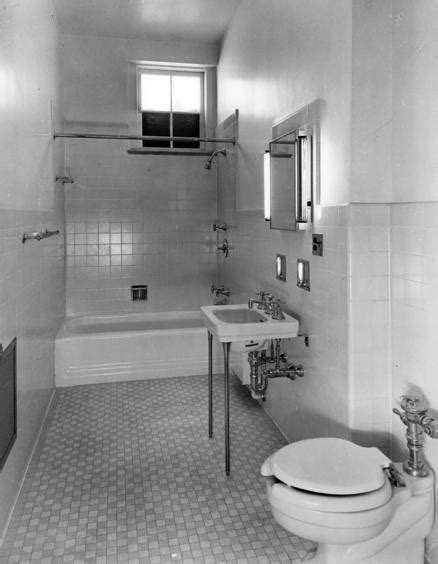house bathroom white house bathrooms www pixshark com images