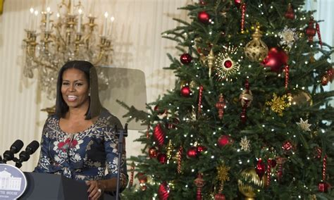 michelle obama white house christmas designers obama unveils white house decorations hello us