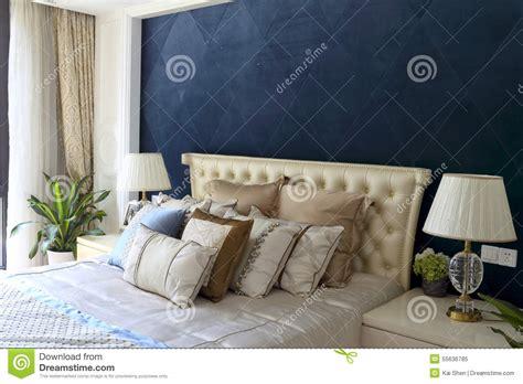 diamants sur canapé chambre bleu pastel