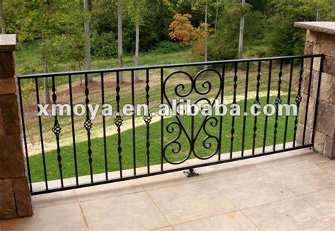 ringhiera in ferro battuto per esterno esterno in ferro battuto portico ringhiere disegni