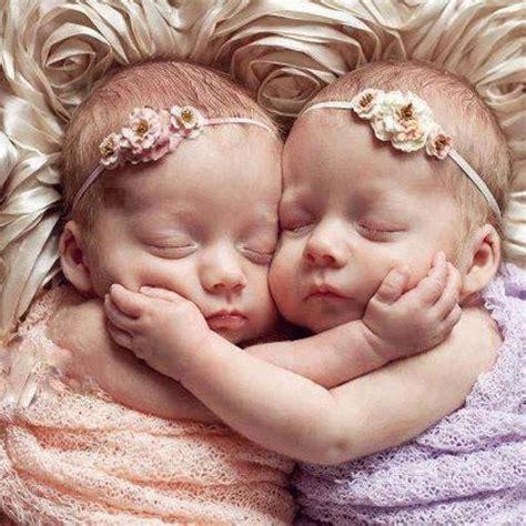Kereta Bayi Untuk Anak Kembar foto ih menggemaskan sekali ya dua bayi kembar