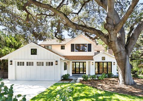 25 white exterior ideas for a bright modern home