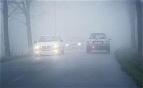 wann dürfen sie nebelschlussleuchten einschalten nebelscheinwerfer und nebelschlussleuchte richtig einsetzen