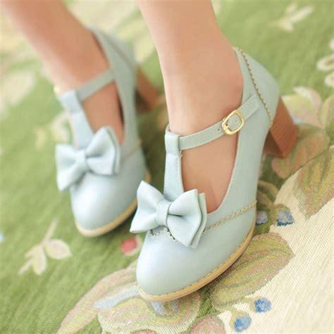 The Shoe Initiative Gets Pretty Shoes Involved In A Great Cause by Die Besten 25 Bogen Fersen Ideen Auf Schwarze