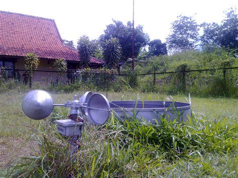Panci Bekas kehutanan alat alat klimatologi yang berada di bmkg pekanbaru