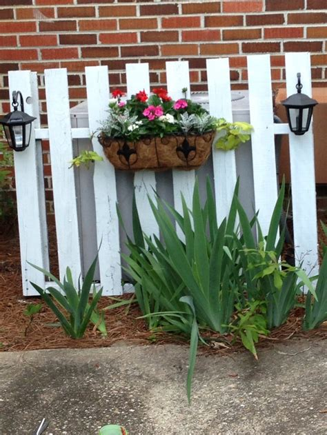 Picket Fence Planter by 25 Best Ideas About Hide Ac Units On Outdoor