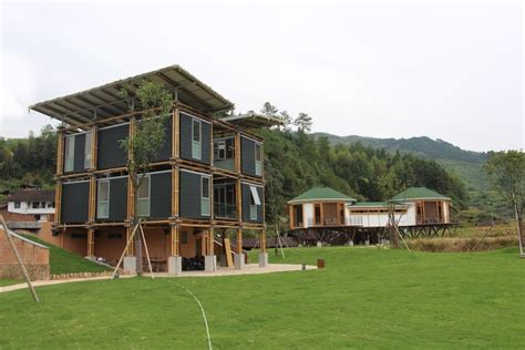 Energy Efficient Bamboo House / Studio Cardenas Conscious