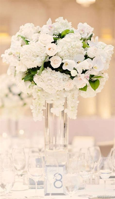 White Flower Wedding Arrangements by 1219 Best Weddings Tablescapes Images On