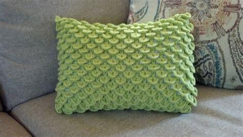 Crochet Pillow Pattern by Pattern Crocodile Stitch Pillow Knit A Bit Crochet Away