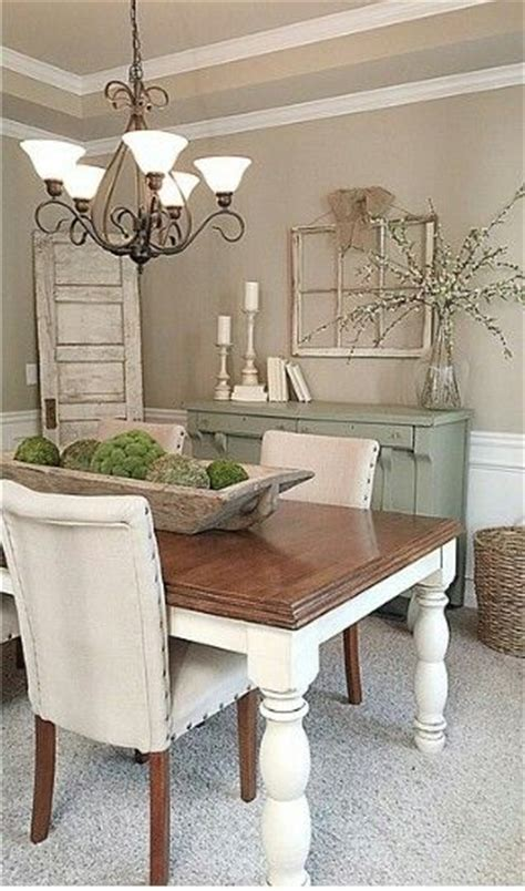 How To Decorate Dining Room Table by Best 25 Dining Table Centerpieces Ideas On Pinterest