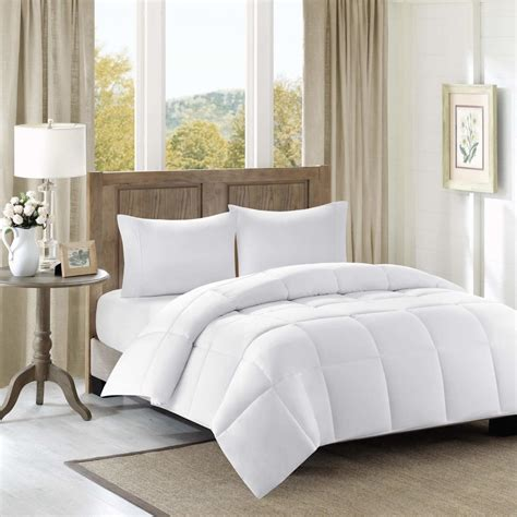 Duvet Cover Smaller Than Comforter by Difference Between Duvet Vs Comforter Overstock