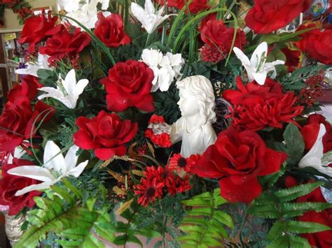 creative flower shops and their latest christmas floral