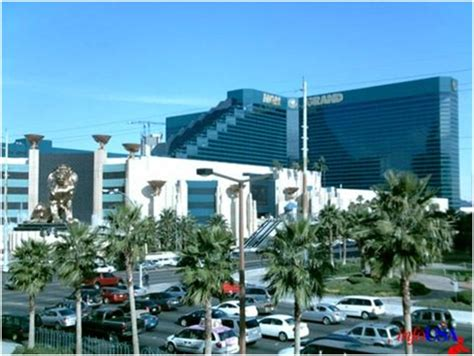 largest hotel in las vegas by rooms worlds largest and freedoms