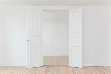 porte scorrevoli bianche come pulire porte interne bianche in 3 mosse finmaster