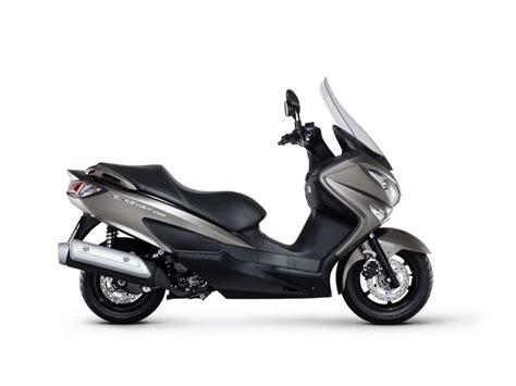 Suzuki Burgman 200 by 2018 Suzuki Burgman 200 Abs Review Totalmotorcycle