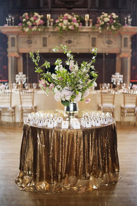 and glamorous gold wedding reception ideas