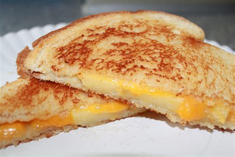 Grilled Cheese apple grilled cheese sandwich recipe pays2save