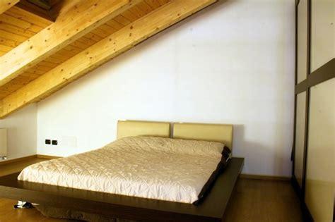 da letto sottotetto foto sottotetto con letto futon de studio tecnico geom
