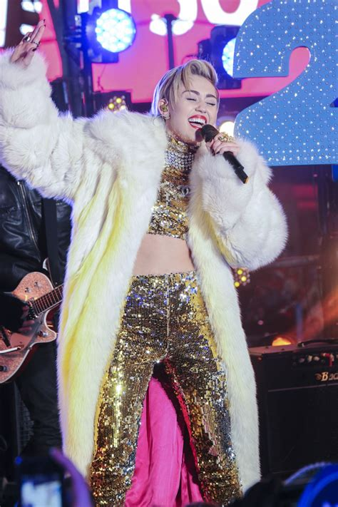 times square alliance new years eve live schedule new years eve 2013 performers to include miley cyrus and