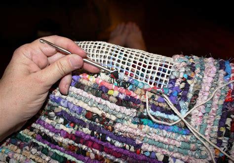 how to hook rugs bolsos de trapillo hechos con malla sint 233 tica el de trapillo