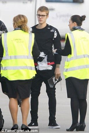 justin bieber tattoo jumper uk world famous popstar 22 drops in for a kickabout with