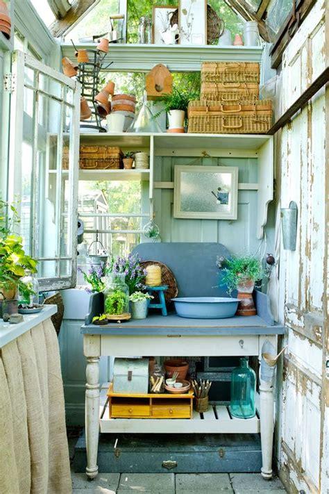 ripostiglio per giardino idee fai da te per rendere il ripostiglio in giardino uno