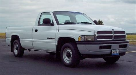find used 2001 dodge ram 1500 v6 magnum w 1000 lb electric liftgate 81k mi ready to work in