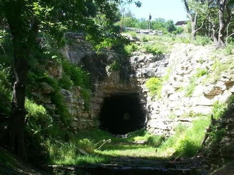 sign picture of old tunnel state park fredericksburg