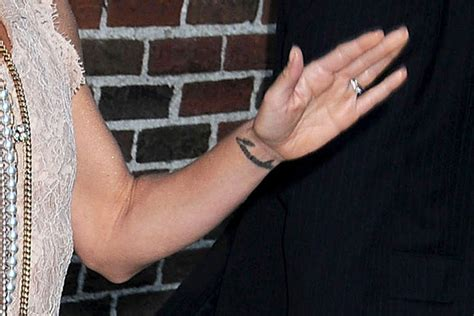 kelly ripa wrist tattoo ripa in leave the ed sullivan theater 2