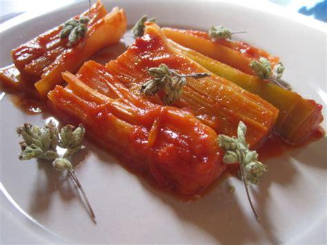 come cucinare i porri in padella porri in padella in rosso il pomodorino confit