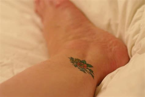 small ankle tattoos designs small flower tattoos tons of ideas designs inspiration