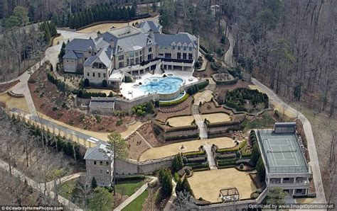 Tyler Perry New House | photos see tyler perry 25m mansion amazing pics